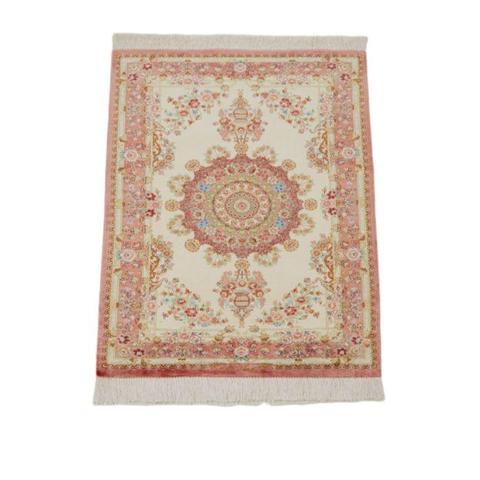 ペルシャ絨毯 (クム産) サイズ:88×60cm