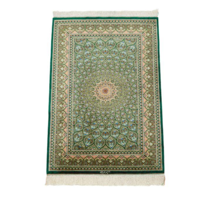 ペルシャ絨毯 (クム産) サイズ:123×77cm