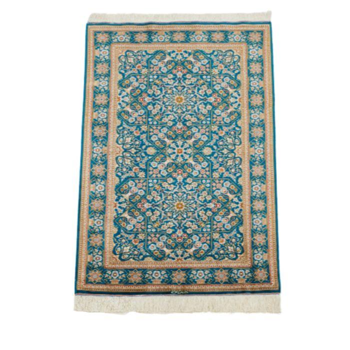 ペルシャ絨毯 (クム産) サイズ:125×79cm